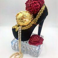 Mewah! Cake Isi Cokelat Ruby dan Emas Ini Seharga Motor