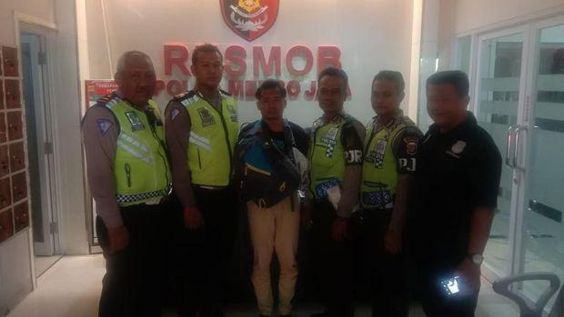 atu pelaku pembunuhan dan mutilasi mayat dalam koper ditangkap di Jakarta