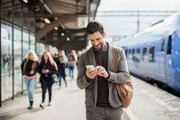 Banyak orang Swedia yang kini memilih naik kereta (iStock)