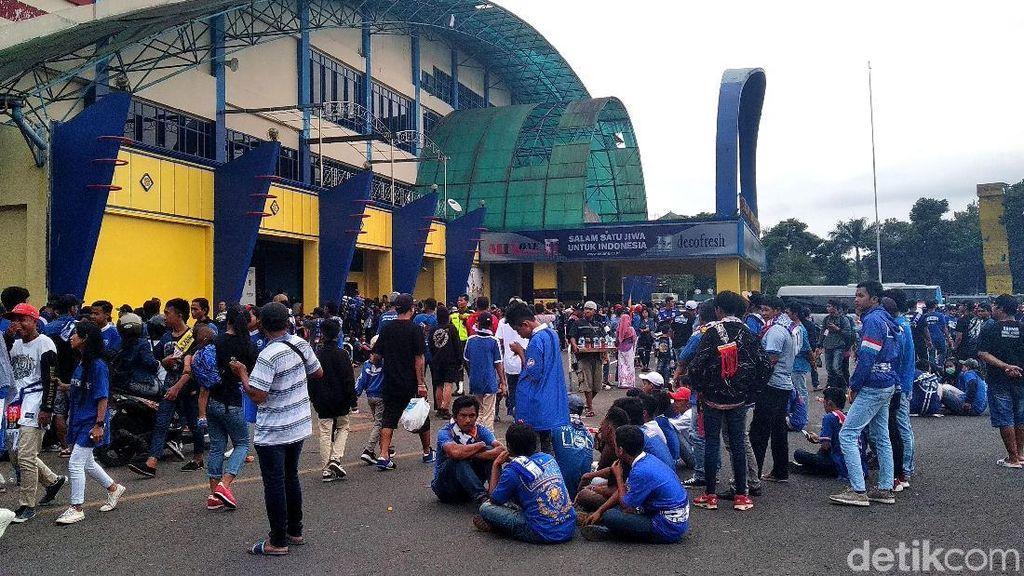 Aremania Padati Stadion Kanjuruhan Jelang Final Piala Presiden 2019