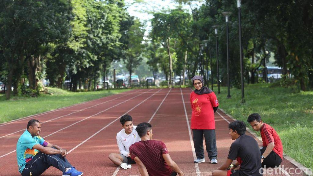 Eni Nuraini Pelatih di Lintasan Lari 100 M, Ibu Zohri Cs di Mess