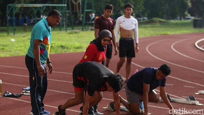 Lalu Muhammad Zohri dkk berlatih di Stadion Madya, Senayan menuju Asian Grand Prix 2019. (Agung Pambudhy/detikSport)
