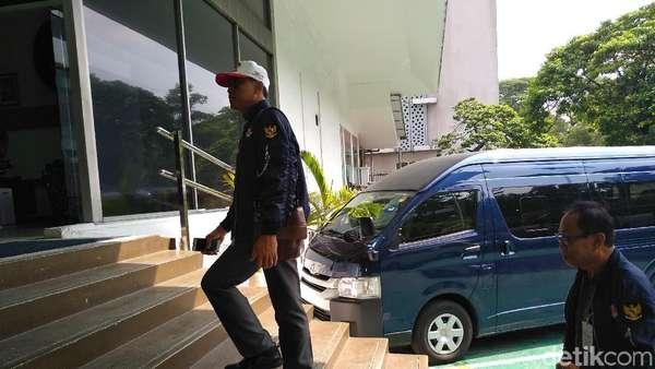 Relawan Jokowi Datangi KBRI Kuala Lumpur, Cek Surat Suara Tercoblos