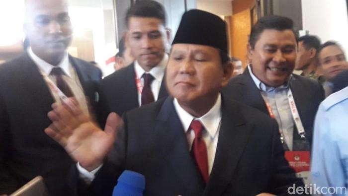 Capres Prabowo Subianto usai debat kelima Pilpres 2019 di Hotel Sultan, Jakarta (Foto: Isal Mawardi/detikcom)