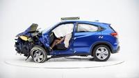 Mobil yang ditampilkan tersebut merupakan hasil dari uji tabrak dari Insurance Institute for Highway Safety (IIHS). Foto: Honda