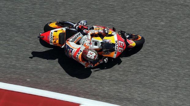 Marc Marquez sempat berbincang singkat dengan Valentino Rossi usai kualifikasi.