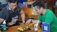 Bikin Ngiler, Baim Wong Jajan Pedas Manis di Yogyakarta