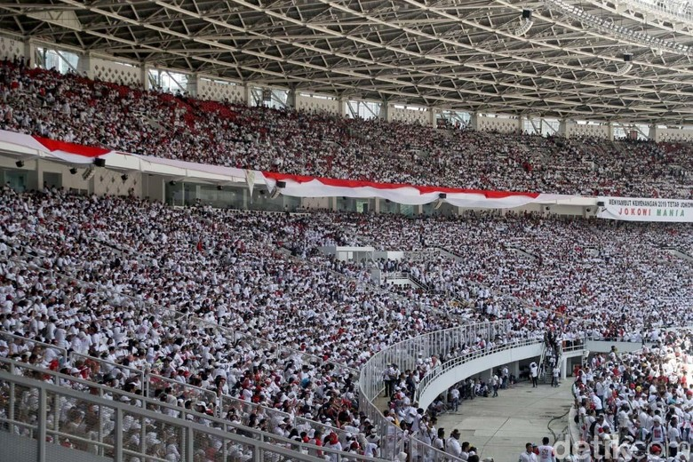 Cak Lontong-Arie Kriting Kocok Perut Peserta Konser Jokowi