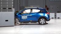 Memang orang ingin mobil mereka aman dan mereka suka mengecek fitur keamanan. Tapi apakah mereka akan membeli mobil setelah melihat apa yang terjadi hasil uji tabrak? Foto: Honda