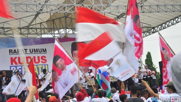 Suasana kampanye terakhir pendukung Jokowi di Kudus.