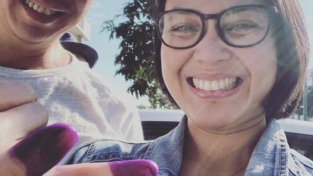 WNI yang Tinggal di Australia Gelar Pemilu, Lusy Rahmawati Tunjukkan Jari Bertinta