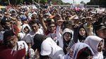 Penampakan Kubu Jokowi-Amin Penuhi Luar Stadion GBK