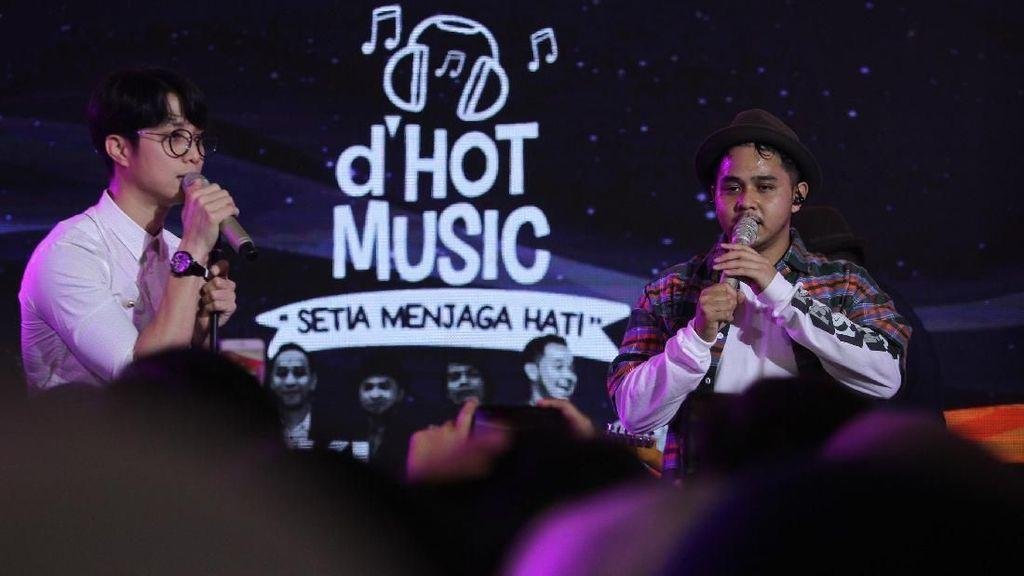 Histeris Penonton untuk Yovie & Nuno di dHOT Music Setia Menjaga Hati