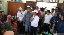 Menteri BUMN Bagikan 2.000 Paket Sembako Bagi Korban Banjir Demak