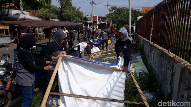 Alat peraga kampanye di Pasuruan dicopoti/,