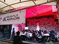 Puluhan Milenial Bandung Belajar Bikin Film Dari Kru Dilan