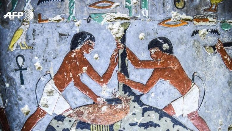 Makam Khuwy, orang terhormat dari Dinasti ke-5 Mesir Kuno. (Mohammed El Shahed/AFP)
