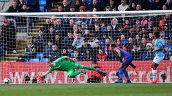 Hasil Liga Inggris: Sterling Dua Gol, City Kalahkan Crystal Palace 3-1