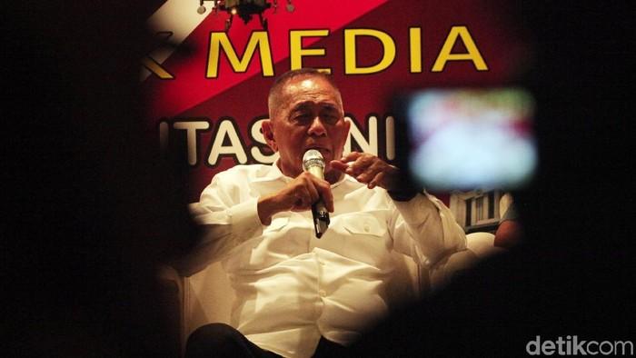 Menteri Pertahanan Ryamizard Ryacudu menjawab pernyataan mantan Panglima TNI Jenderal (purn) Gatot Nurmantyo terkait anggaran TNI.