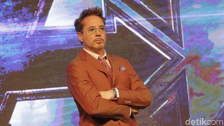 Robert Downey Jr menyiapkan banyak energi untuk promosi film Avengers: Endgame. Pemeran Iron Man itu begitu bersemangat saat menggelar preskon di Korea. Foto: Asep/detikHOT