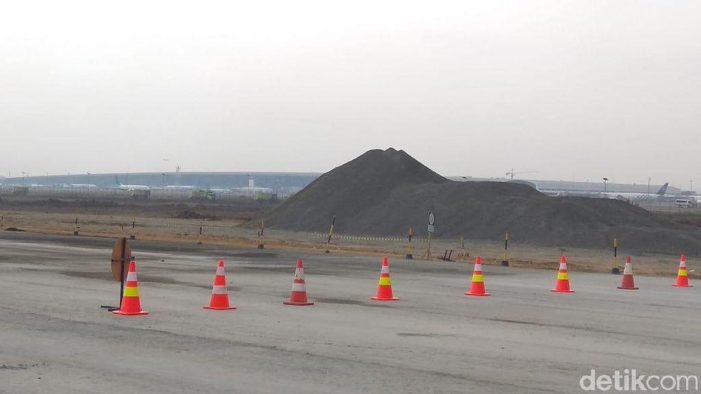 Ke Bandara Soetta, Menhub Cek Progres Proyek Runway 3