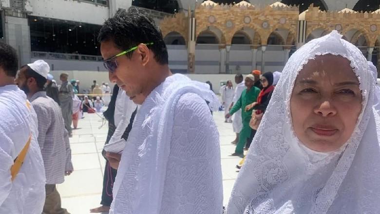 Di Arab Saudi, Sandiaga Umrah hingga Ziarah ke Makam Rasul