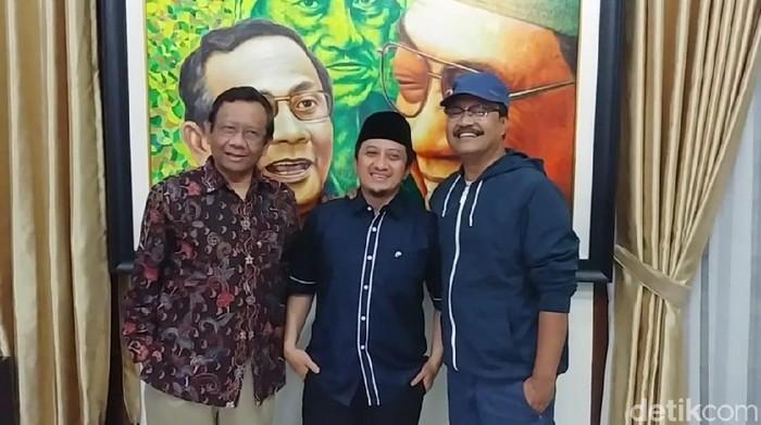 Yusuf Mansur bertemu dengan Mahfud Md dan Gus Ipul (Jefrie Nandy Satria/detikcom)