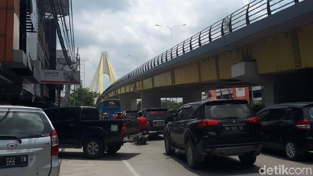 Pencuri Baut-Kabel Jembatan Siak IV Pernah Dipergoki Warga tapi Kabur