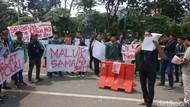 Ada Kejanggalan Kasus Novel Baswedan, HMI Demo Mapolda Jatim
