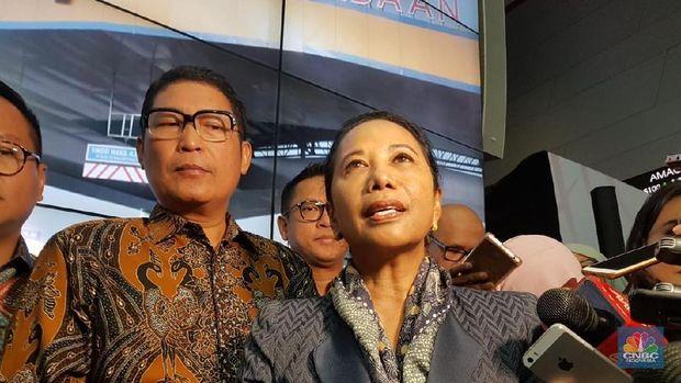 Menteri Rini: Kementerian BUMN Akan HIlang