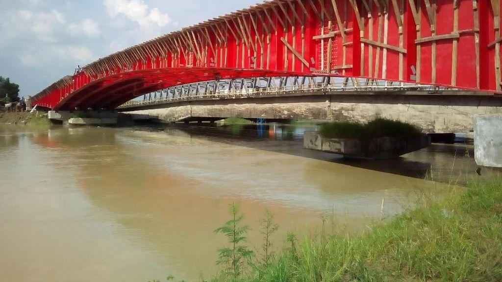 Jelang Lebaran, Jembatan Kolonel Sunandar Dikebut Siang-Malam