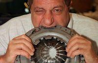 Michel yang memakan bagian pesawat (Ripleys)