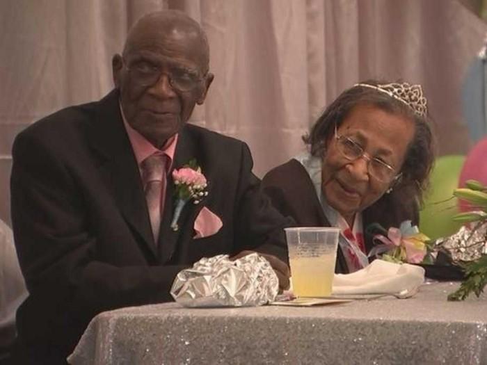 Pasangan awet menikah hingga 82 tahun, D W William dan Willie Williams. Foto: Dok. WOSC