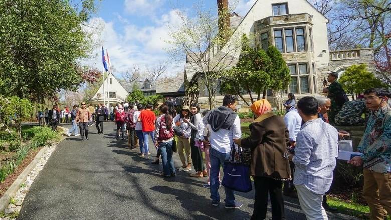 Antusiasme WNI di Washington Nyoblos, Antre Sejak Sebelum TPS Dibuka