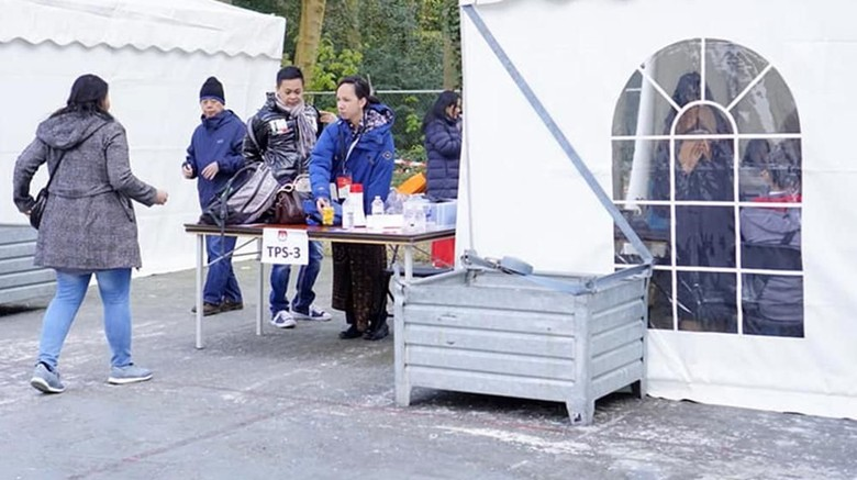Potret Antusiasme WNI Nyoblos di Belanda