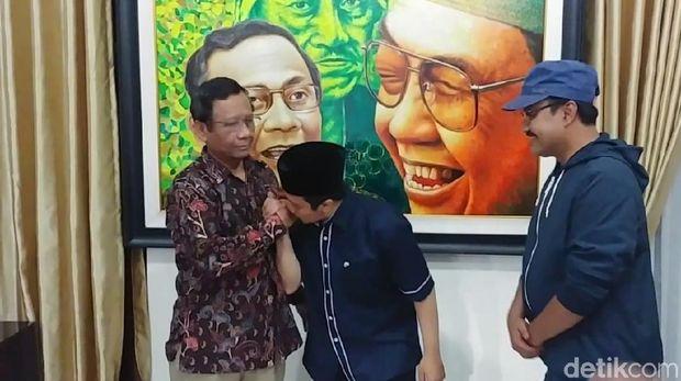 Yusuf Mansur Silaturahmi ke Mahfud MD dan Gus Ipul