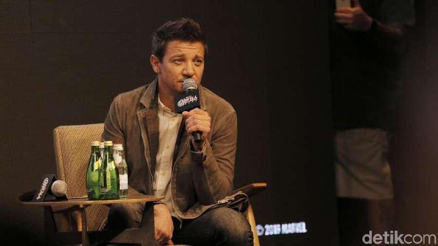Cerita Persahabatan Avengers di Mata Jeremy Renner