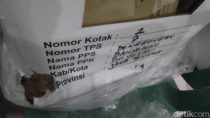 Kotak suara Pemilu yang rusak di Boyolali. (Foto: Ragil Ajiyanto/detikcom)