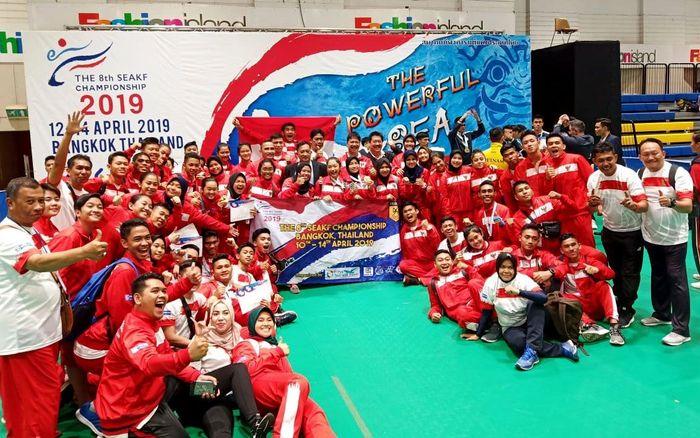 Tim berkekuatan 53 atlet kadet, junior, U-21 dan senior itu berhasil memborong 8 medali emas, 10 perak, dan 18 perunggu pada event bergengsi yang diikuti karateka se-Asia Tenggara itu. Foto: dok. PB Forki