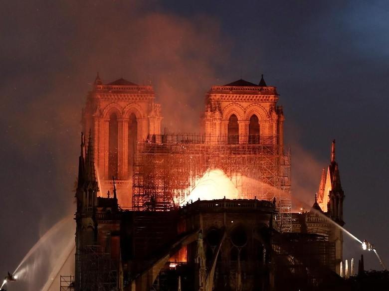 Miliarder Prancis dan Bos LVMH Sumbang Rp 3,1 T untuk Katedral Notre-Dame