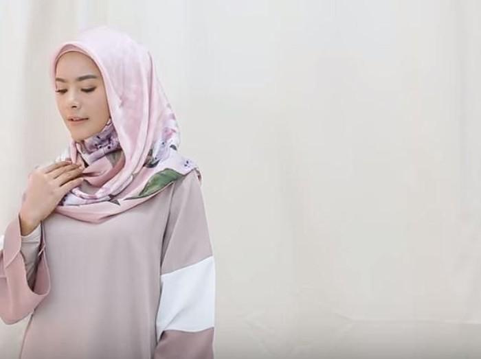 Tutorial Hijab Untuk Ke Pesta Dalam 1 Menit Saja Cocok Untuk Ibu Muda