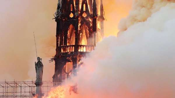 Nestapa Gereja Notre Dame Paris yang Habis Dilalap Si Jago Merah