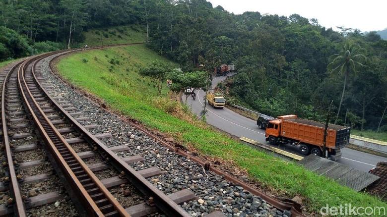 Foto: Rel kereta Instagramable di Semarang (Aji Kusuma/detikcom)