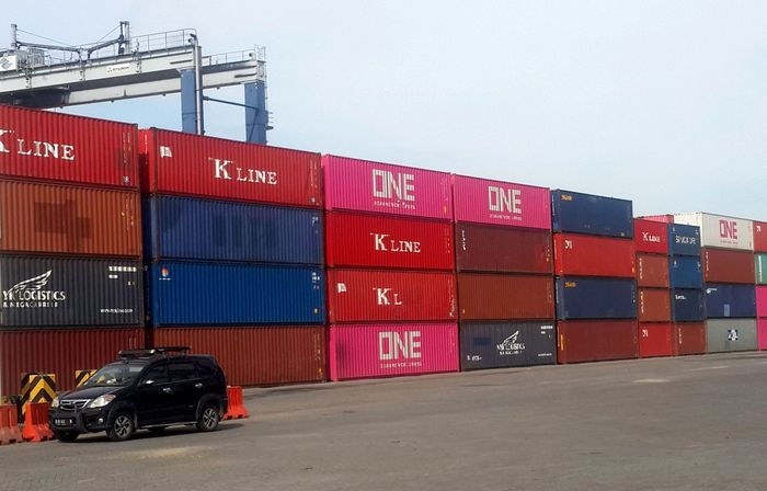 Sejak 12 April 2019, TPK Koja sudah bisa melayani kapal terbesarnya dengan kapasitas 4.253 TEUs (Twenty foot Equivalent Units) milik Ocean Network Express (ONE) sebagai bukti kepercayaan pelanggan terhadap TPK Koja yang selama ini melayani 6 servis. Kapal MV. Navious Verde akan melayani pelayaran rute Singapura (SIN) - Jakarta (JKT) – Thailand (LCH) – Singapura dengan rencana bongkar muat 3.500 boxes per minggu. Foto: dok. TPK Koja