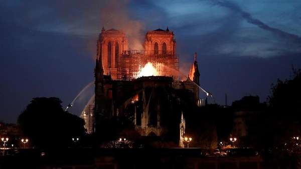 Usul Trump Bisa Bikin Ambruk Notre Dame
