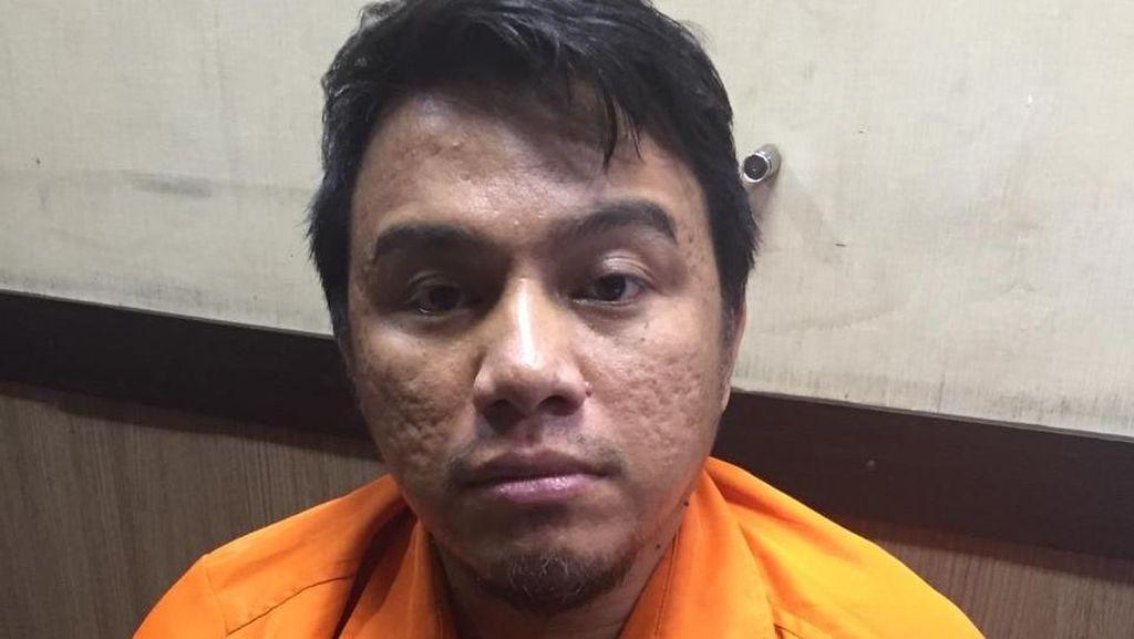Polisi Tahan Pengemudi Arogan Naik ke Kap Mobil di Tol Pancoran