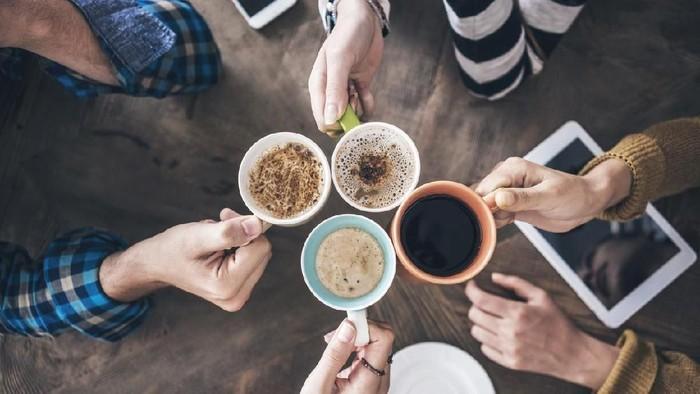 Kafein dalam kopi bisa membantu mengatasi sakit kepala ringan. (Foto: istock)