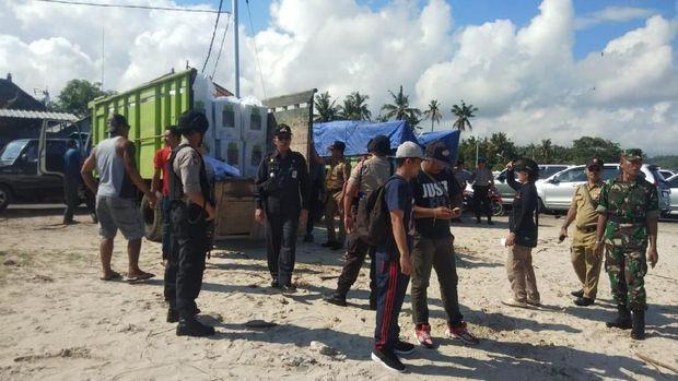 Pengiriman dilakukan dari Padangbai menuju Pelabuhan Roro Sampalan.