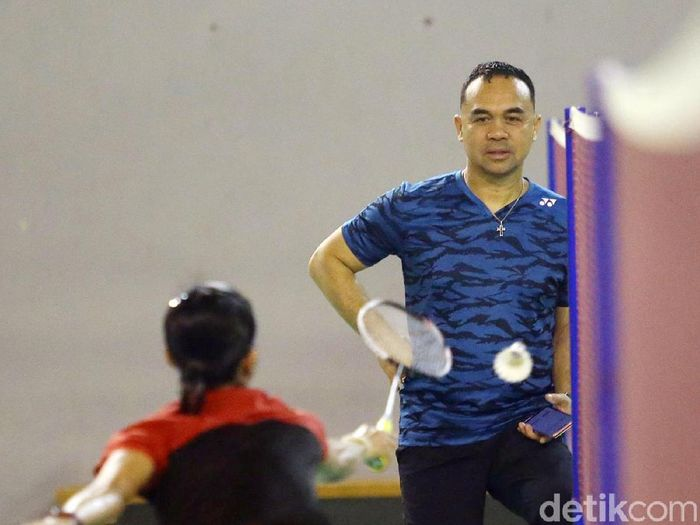 Pelatih Putri Bulutangkis Indonesia Rionny Maniaki