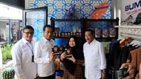 Rendang Uni Adek merupakan nasabah BRI sejak 2016 dan menjadi UMKM binaan RKB Bank BRI sejak tahun 2018. Produk Rendang Uni Adek saat ini sudah diekspor ke luar negeri dan telah dipasarkan melalui IndonesiaMall supported by Bank BRI serta media sosial seperti Instagram.